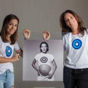 Carolina Ferraz posa para campanha com a filha após 18 anos de foto original