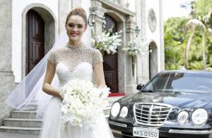 Isabelle Drummond posa vestida de noiva em 'Sete Vidas' e elogia o look: 'Lindo'