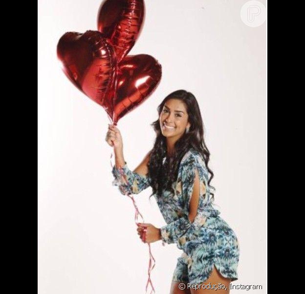 Solteira, depois de se envolver com Fernando no 'BBB15', Amanda descarta um novo amor: 'Os homens já tinham medo de chegar em mim. Imagina agora! E eu sou romântica, não tenho essa de sair pegando'
