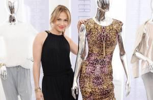 Jennifer Lopez lança sua coleção de roupas em loja de Nova York