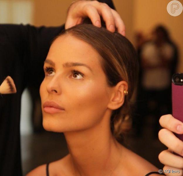 Yasmin Brunet grava cenas da novela 'Verdades Secretas' na SPFW e garante: 'Pretendo seguir carreira de atriz', afirmou a modelo, nesta quinta-feira, 16 de abril de 2015