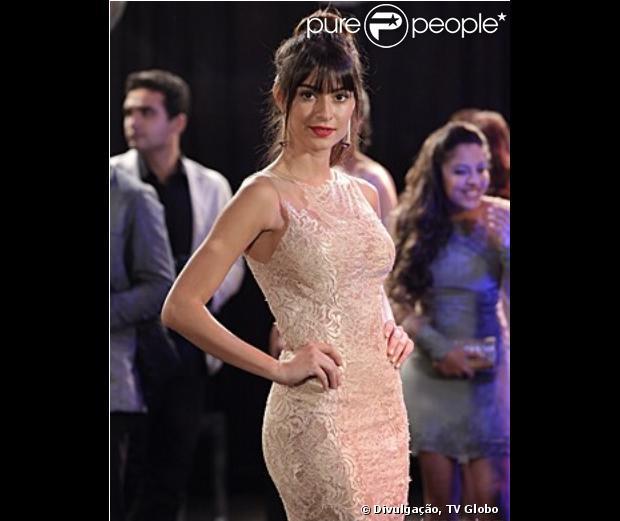 Thaila Ayala grava as primeiras cenas de 'Sangue Bom' como a it girl Camila Lancaster, em maio de 2013