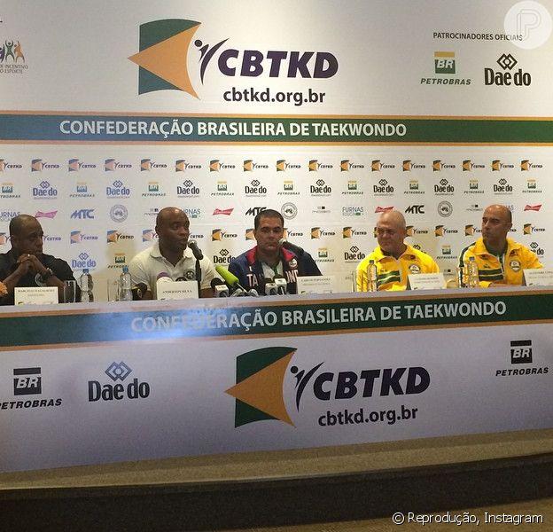 Anderson Silva afirma que tentará vaga nas Olimpíadas de 2016 após chorar com a confirmação do doping no UFC, nesta quarta-feira, 22 de abril de 2015