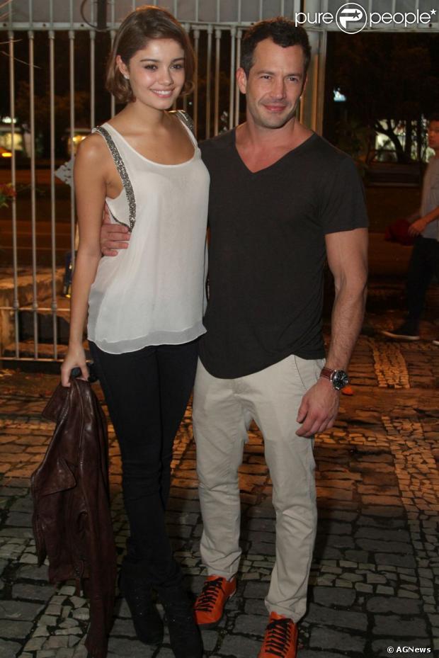 Malvino diz que pensa em ter filhos com Sophie Charlotte. O ator está no ar em 'Amor à Vida', que estreou em 20 de maio de 2013