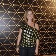 A atriz Paula Burlamaqui posa no camarote do show da Madonna