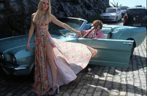 Fiorella Mattheis exibe boa forma e deixa pernas à mostra em ensaio de moda