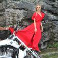 Fiorella Mattheis fez ensaio glamouroso para a coleção de verão da marca My Place