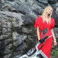 Fiorella Mattheis exibe boa forma em ensaio para marca de roupas