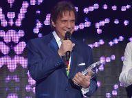 Roberto Carlos recebe homenagem e ganha prêmio no Billboard da Música Latina