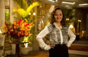 Cláudia Netto canta em show de Guiomar em 'Flor do Caribe': 'Me sinto em casa'