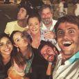 'Família completa com um toque de saudade', legendou Gabriel Godoy na foto da 'Família Pereira'