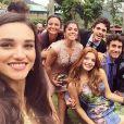 'Nenhum outro nome definiria tão bem essa novela e essa turma...', escreveu Giovanna Lancellotti na foto com o elenco