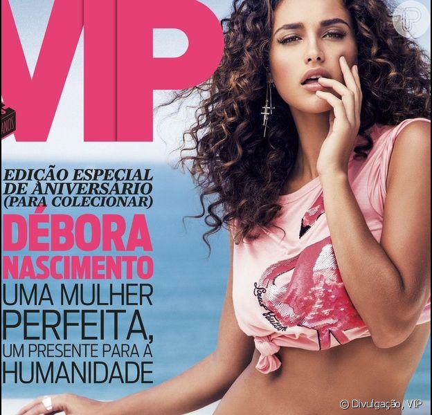 Débora Nascimento posa de biquíni para a revista 'VIP' de junho de 2013