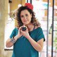 Elizabeth Savalla interpreta Márcia, a 'mãezoca' de Valdirene, personagem de Tatá Werneck em 'Amor à Vida'