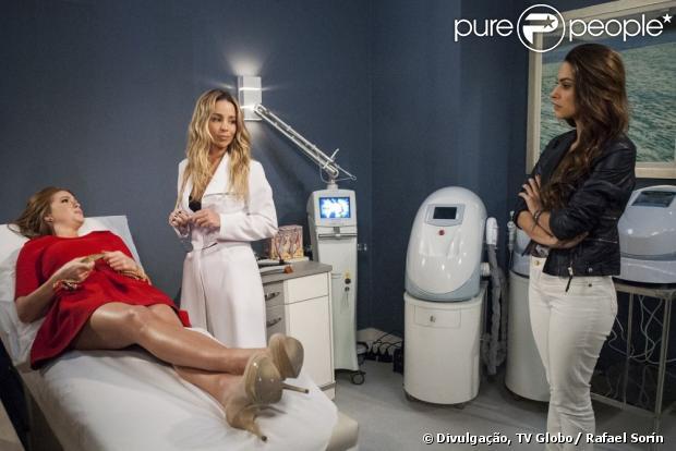 Nicole (Marina Ruy Barbosa) dica apavorada com a preocupação dos médicos ao examiná-la, em 'Amor à Vida', em 10 de junho de 2013