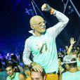 No carnaval deste ano, Lucas Lucco se fantasiou de idoso para curtir o fervo em Salvador sem ser reconhecido pelos fãs
