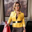 Inês (Adriana Esteves) convoca uma reunião para anunciar a parceria com Aderbal (Marcos Palmeira), na novela 'Babilônia'
