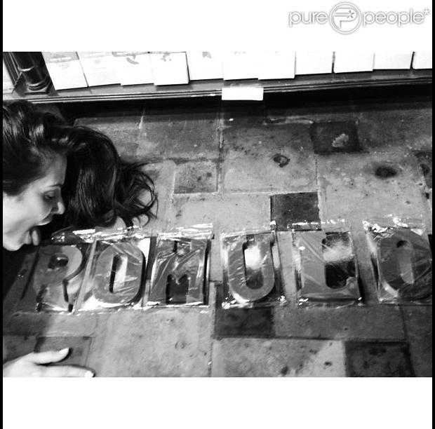Cleo Pires posta foto em seu Instagram fazendo declaração de amor para Rômulo Arantes Neto