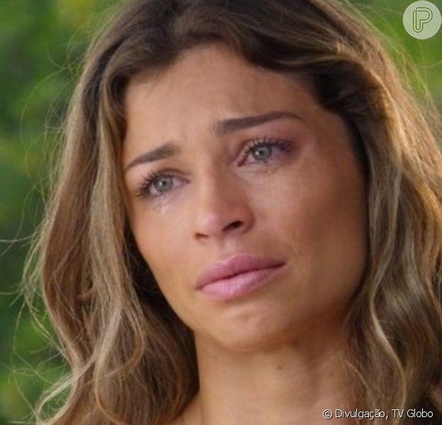 Na novela 'Flor do Caribe', Ester (Grazi Massafera) discute com Cassiano (Henri Castelli) por causa de Cristal (Moro Anghileri)