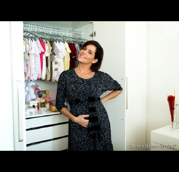 Deborah Secco contou em entrevista ao 'GNT Fashion' que quando Maria Flor nascer não vai querer receber visitas: 'Já vi que vou ser uma mãe megachata; até os três meses ninguém vai pegar a minha filha no colo'