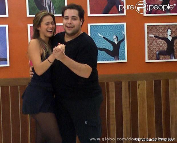 Bruna Marquezine e Thiago Abravanel brincam muito durante os ensaios