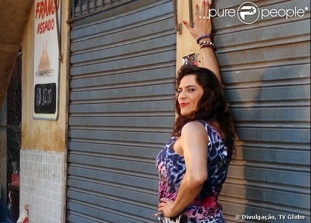 Luiz André Alvim ficou em apuros para conseguir ir ao banheiro usando todo o figurino da Mulher Pau de Jacú entre as gravações do clipe da Mulher Mangaba (Ellen Rocche), em 'Sangue Bom'