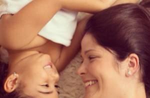 Samara Felippo deseja feliz aniversário para filha de 4 anos por rede social