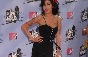 Mãe de Amy Winehouse, morta há 2 anos, diz :'Ela não nasceu para chegar aos 30'