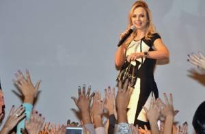 Eliana e Galisteu agitam evento de moda, com show de Zezé Di Camargo e Luciano