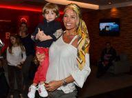 Adriane Galisteu leva o filho, Vittorio, em pré-estreia de musical da Disney