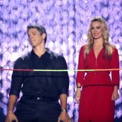 Márcio Garcia faz dança da cordinha no Globo de Ouro com Carolina Dieckmann