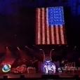 Britney Spears foi vaiada ao mostrar a bandeira americana no telão, enquanto cantava 'Lucky', no Rock in Rio 2001