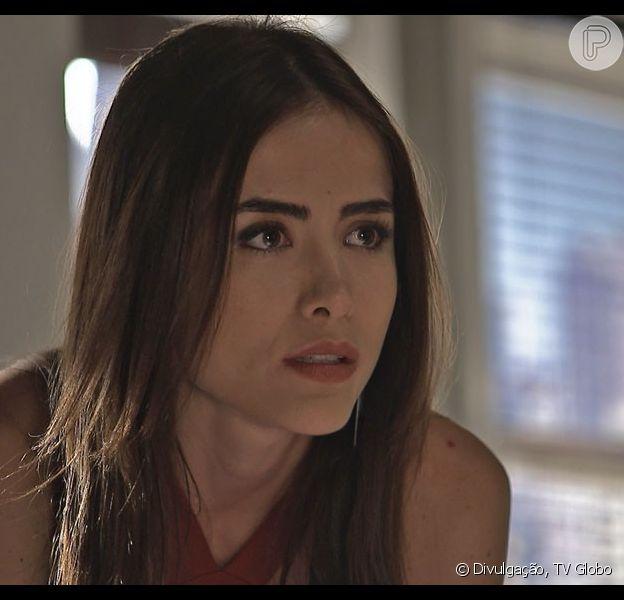 Margot (Maria Casadevall) vê Grego (Caio Castro) e Alceste (Pathy Dejesus) se beijando e termina a relação com ele, na novela 'I Love Paraisópolis', em 23 de setembro de 2015