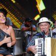 Dominguinhos ao lado da cantora Ivete Sangalo, em maio de 2011