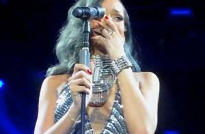 Rihanna se emociona e chora em show da França após cantar 'Stay'