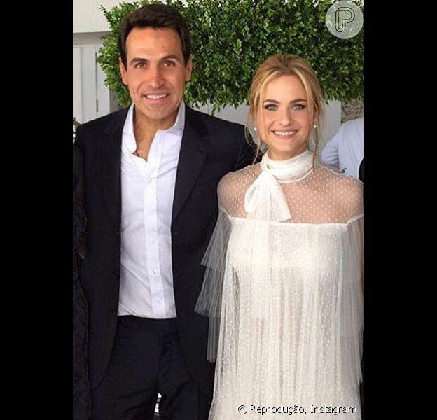 Luiza Valdetaro se casa com empresário em cerimônia discreta no Rio, neste sábado, 3 de outubro de 2015