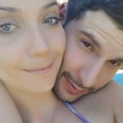 Luiza Possi posta foto com namorado, Thiago Teitelroit, fã brinca: 'Desencalhou'