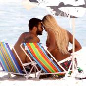 Roberta Rodrigues curte folga de 'A Regra do Jogo' com o namorado em praia do RJ