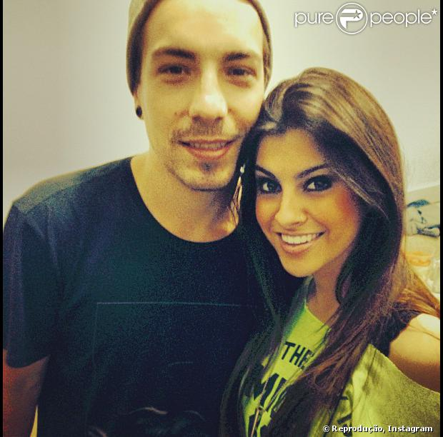 Di Ferrero troca beijos com Nah Cardoso, de 20 anos, em boate de São Paulo. A informação é da coluna 'Retratos da Vida', do jornal carioca 'Extra' de 1º de agosto de 2013