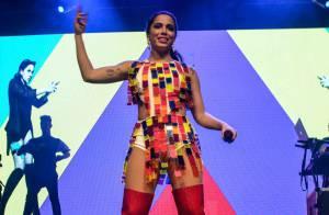 Anitta volta a subir no palco para comemorar o Dia das Crianças em São Paulo