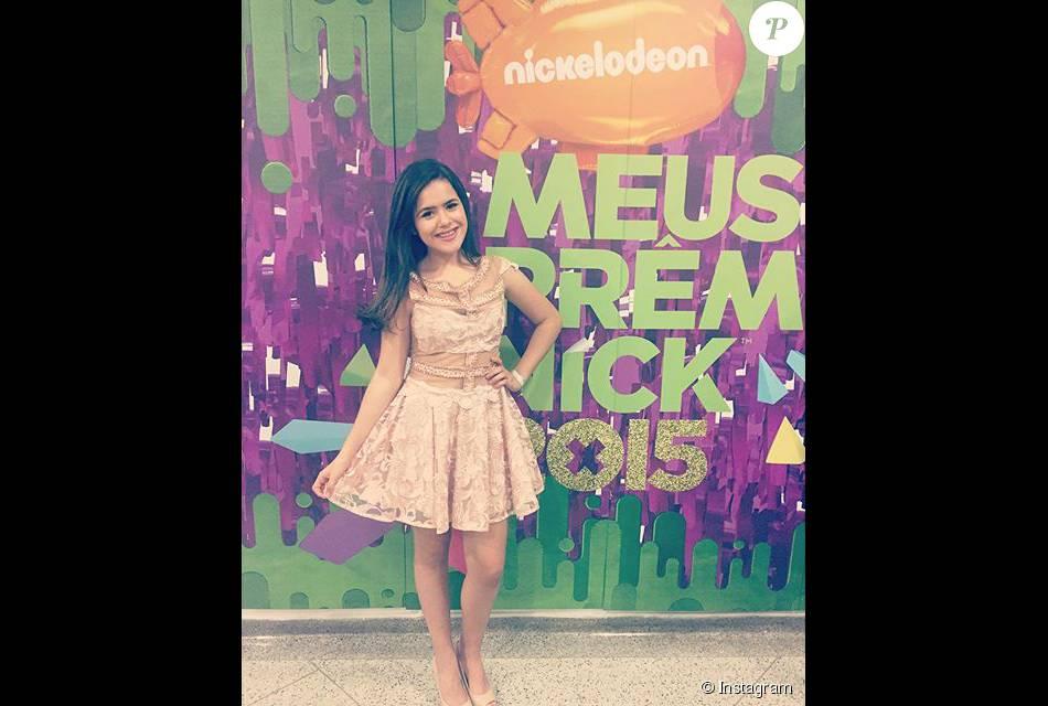 A atriz Maisa Silva, do SBT, compartilhou uma foto do seu look da marca Inquérito nas redes sociais