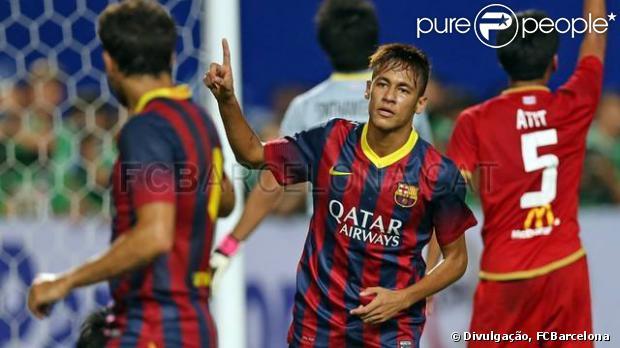Neymar já está na Malásia para último jogo do Barcelona no 'Tour da Paz'