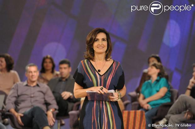 Fátima Bernardes doou o vestido usado na estreia do programa 'Encontro'. A peça da grife Missoni custa cerca de R$ 2 mil