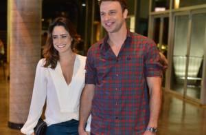 Fernanda Vasconcellos leva o namorado, Cássio Reis, para show de Djavan, no Rio