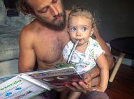 Rafael Cardoso posa com a filha, Aurora, e ganha elogio na web: 'Lindos'