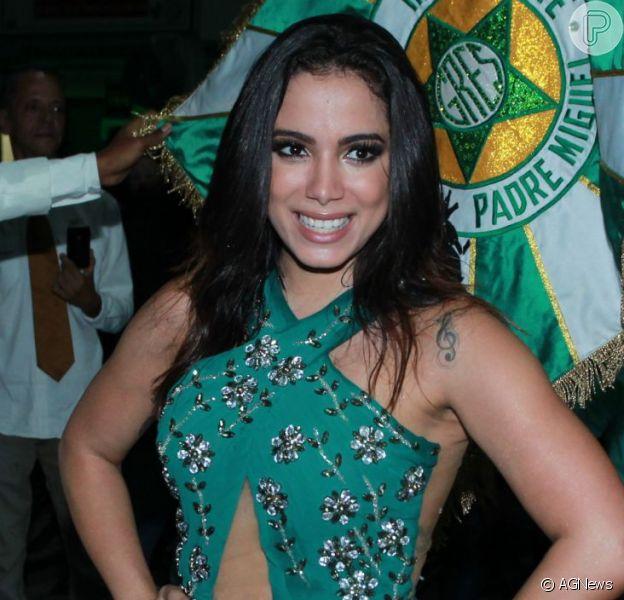 Carnaval 2016: Anitta reforça malhação para desfilar. 'Medo da perna balançar'