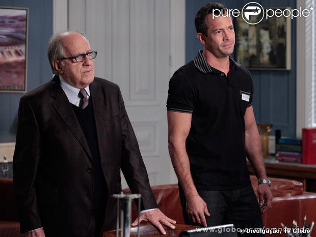 Bruno (Malvino Salvador) e Lutero (Ary Fontoura) se unem para tirar Paloma (Paolla Oliveira) da clínica para doentes mentais, em 'Amor à Vida', em 9 de setembro de 2013
