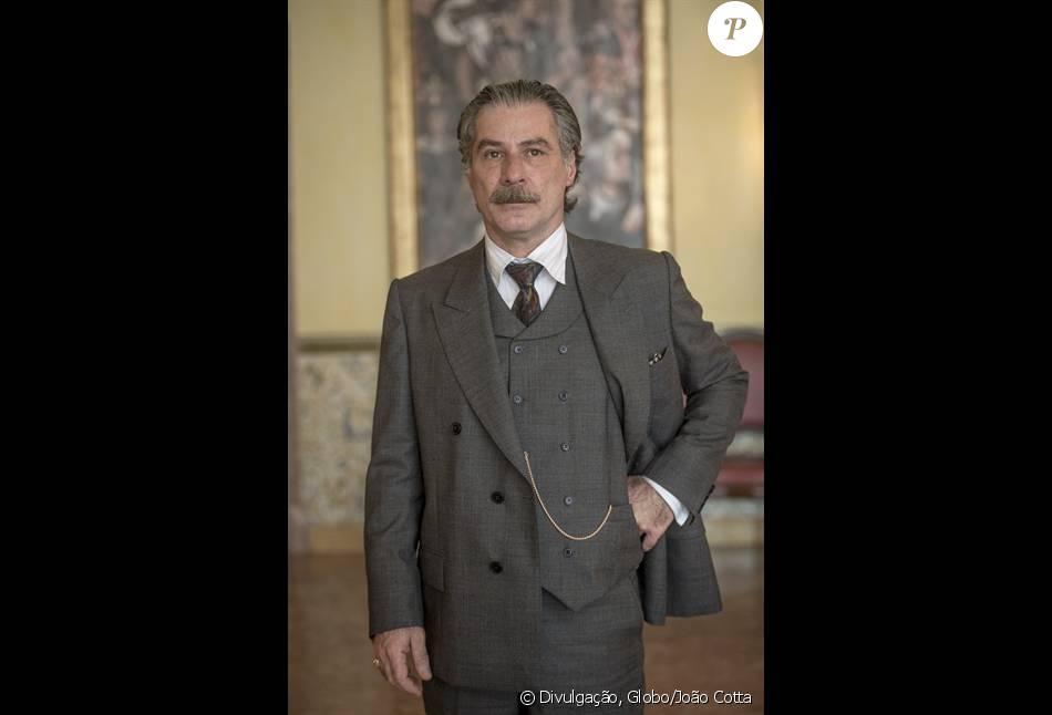 Leopoldo Pacheco comentou as cenas picantes como Heitor junto de Isabel, interpretada por Patricia Pillar, na minissérie 'Ligações Perigosas': 'À vontade'