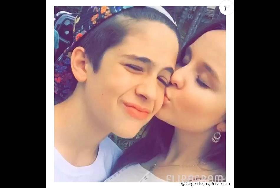 92db8ead08611 Larissa Manoela e João Guilherme passaram a tarde juntos e dividiram  momentos no Snapchat com os