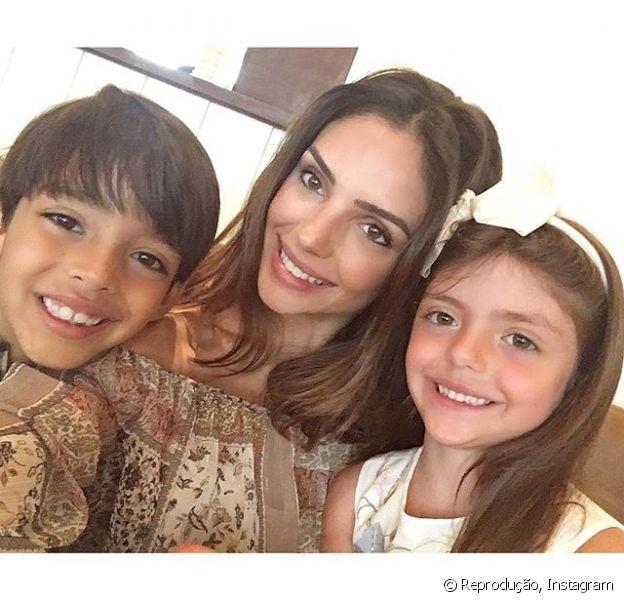 Carol Celico agradeceu Kaká no sábado, 9 de janeiro de 2016, pelo cuidado que teve com os filhos no fim de ano: 'Obrigada, papai'